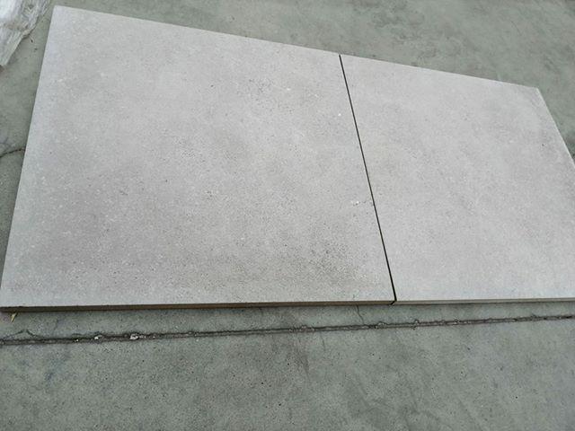 EFFET BETON gris 45x45x18mm
